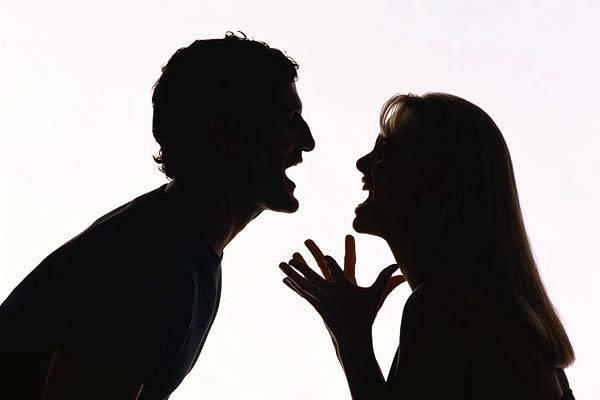 Suami Istri Beda Pandangan Politik? Inilah 10 Cara Menyikapinya!