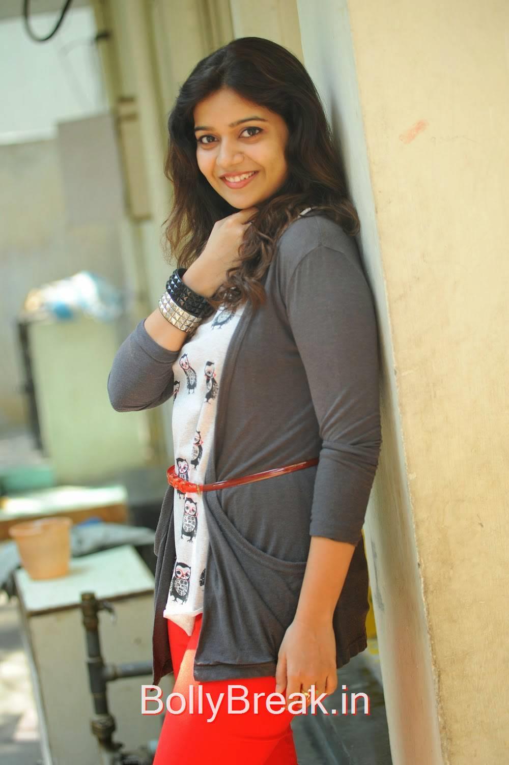 Swathi Unseen Stills, Actress Swathi Stills From Tripura Movie