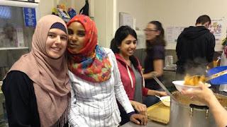 Relawan Muslim Australia Santuni Tunawisma