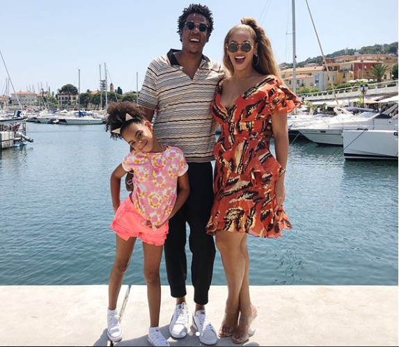 Adorable Family Photos Of Beyonce And Jay-Z As They Holiday With Blue Ivy