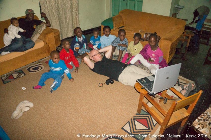 podłączyć znajomych w Kenii