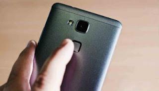 Smartphone Android dengan Fitur Fingerprint