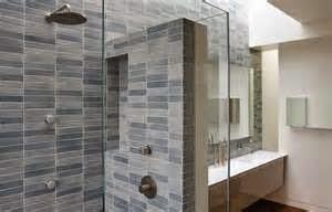 Seperti saat mandi di bathtub bisa sambil menggunakan masker kemudian rileksasi. Untuk melakukan hal tersebut dibutuhkan kamar mandi yang nyaman dan bersih.