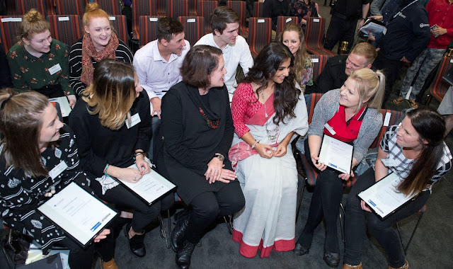 Vidya Balan meeting with Australian Scholarship Recipients at LaTrobe University Autralia
