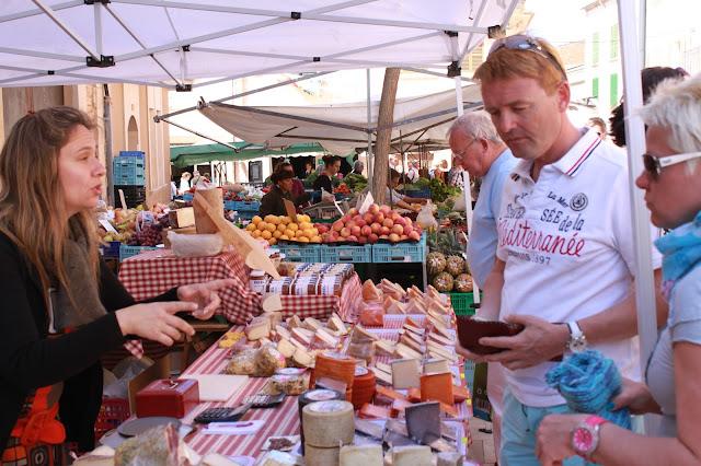 Ausflug zu einem mallorquinischen Wochenmarkt