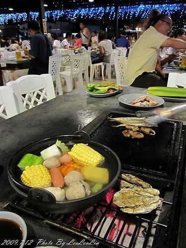 八里吃到飽|水漥碳烤