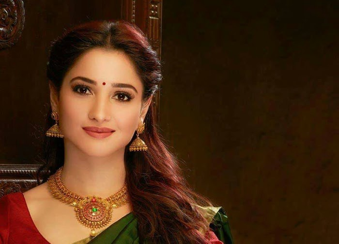 Tamannah Bhatia Saree Stills top 30 Images collection