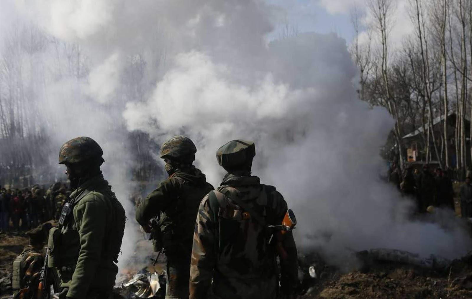 Militer Pakistan mengatakan mereka hanya menangkap satu pilot India