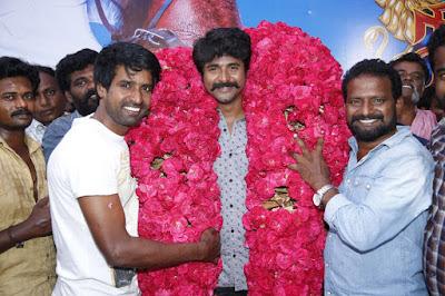 Actor-Sivakarthikeyan-birthday-celebrations-from-the-sets-of-Seemaraja-Stills-9