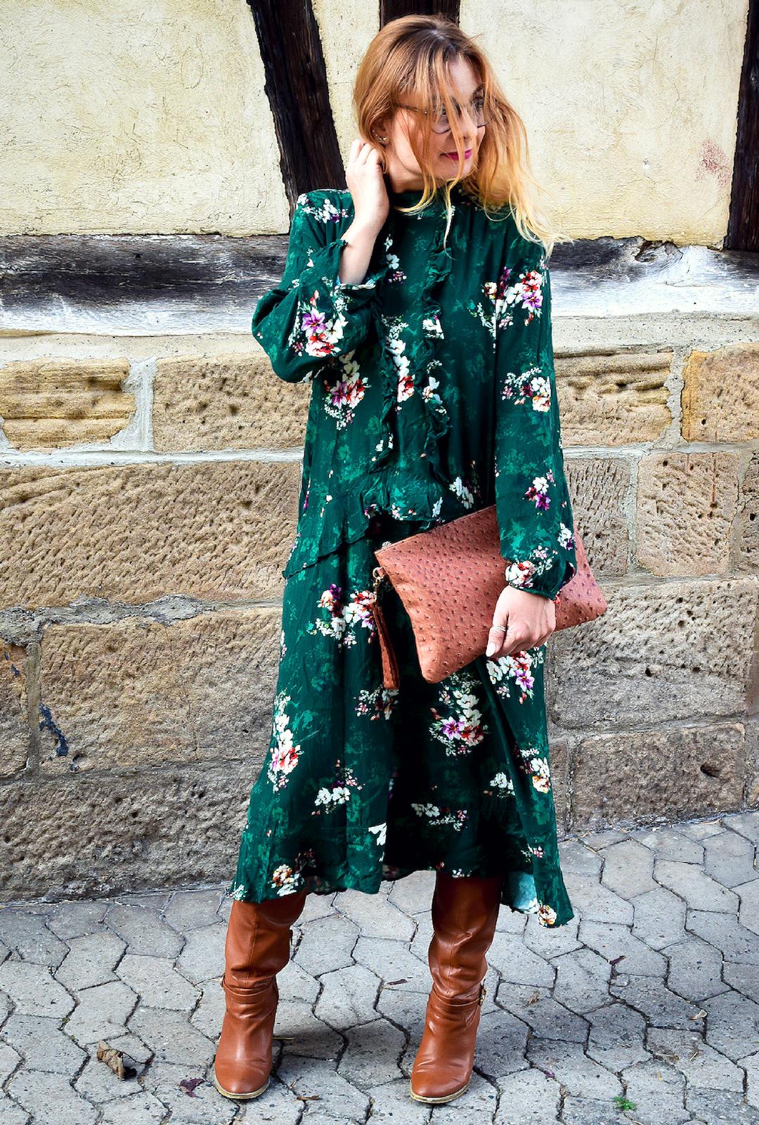 welche Farben passen zu Grün, Kleid in Grün