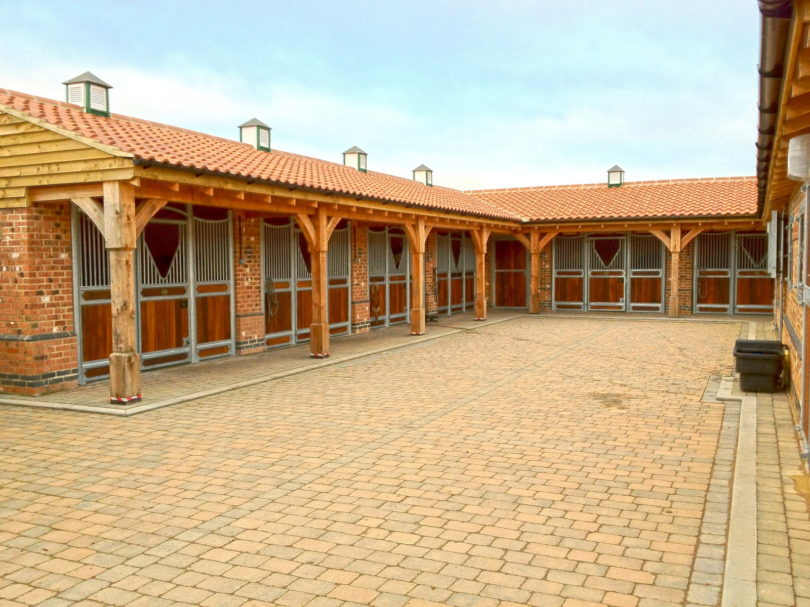 Monarch News Monarch Stables Make A Wonderful Yard At