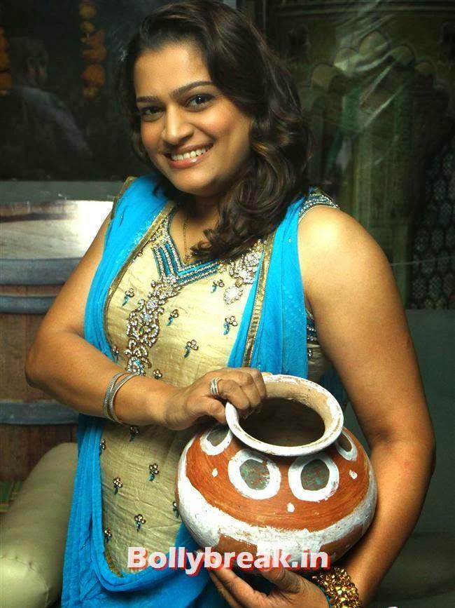 Ekta Jain, BGrade Movie Actresses Celebrate Republic Day at Peninsula Grand