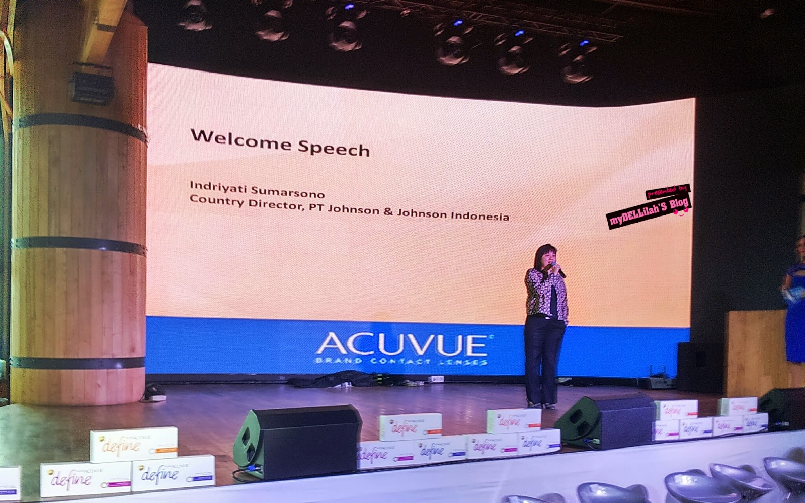 Pengertian Cantik Event Revuew Launching 1 Day Acuvue Define Definisi