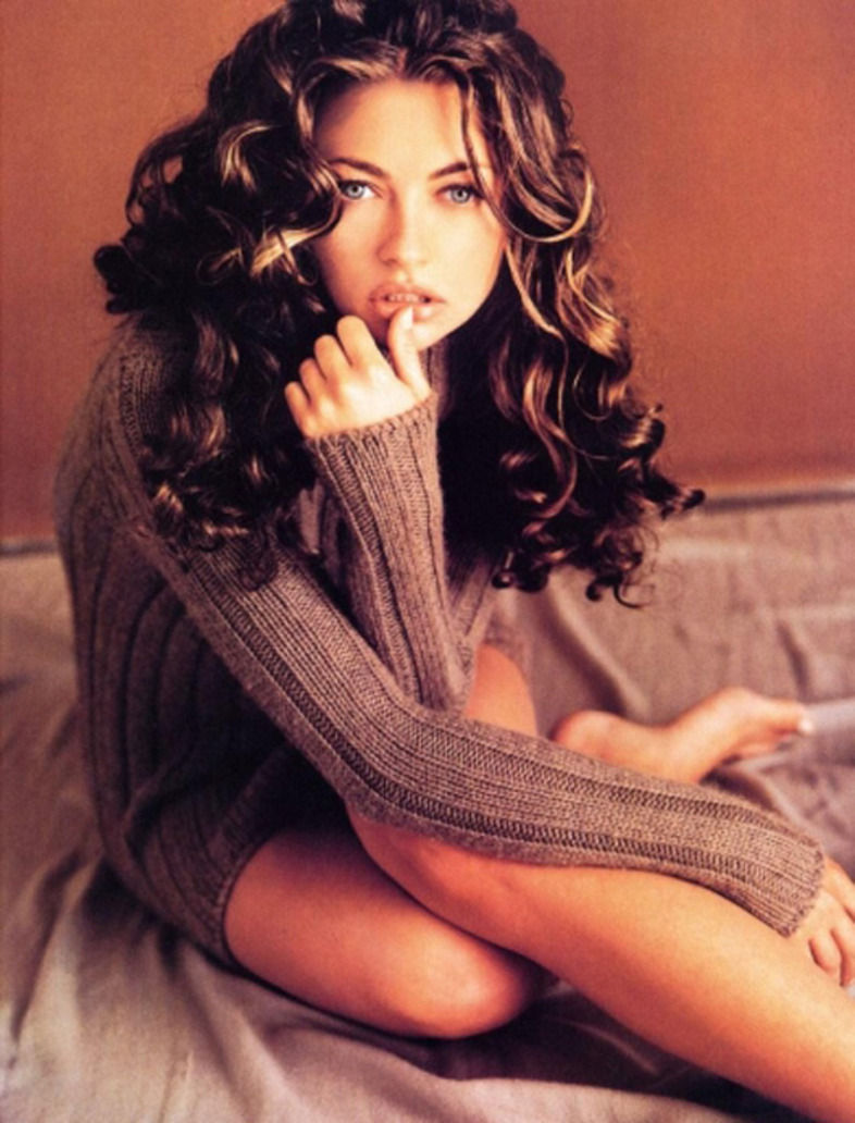 sexy images: Women Wearing a Tight Sweaters