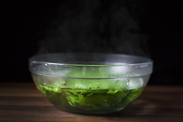 علاج نتن ورائحة الرحم الكريهة بالأعشاب