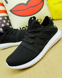 Giày thể thao nữ Adidas Tubular