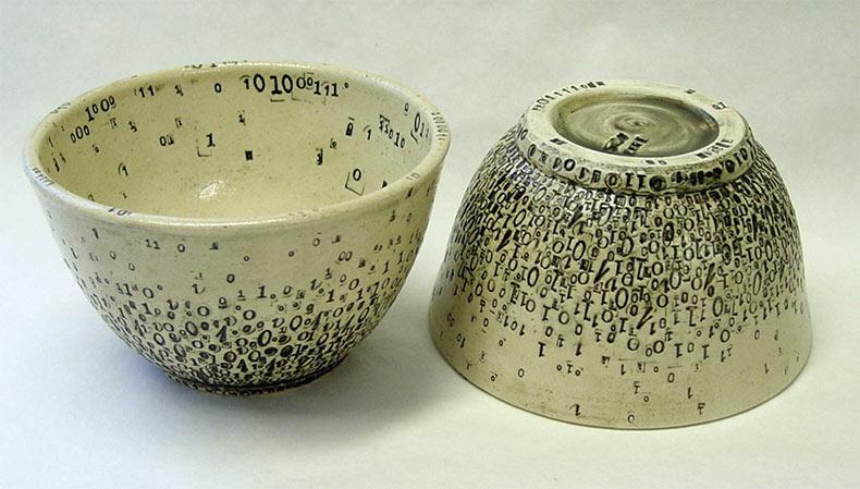 La cerámica impresa con patrones de Vintage maquina de escribir cartas por Laura C. Hewitt