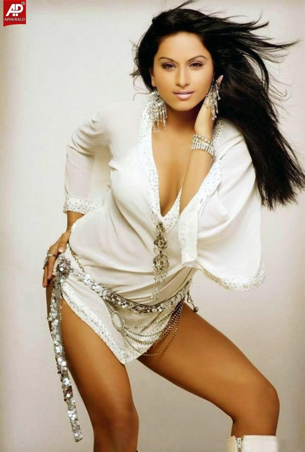 Sexy Bollywood Actress Naked Free Pics