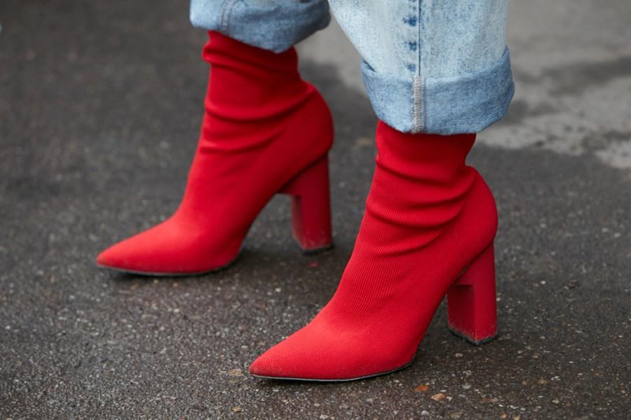 4 ideias para usar bota vermelha nesse inverno