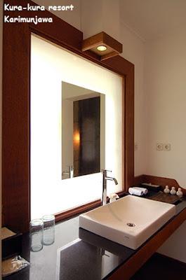 gambar bathroom cottage kura kura resort karimunjawa