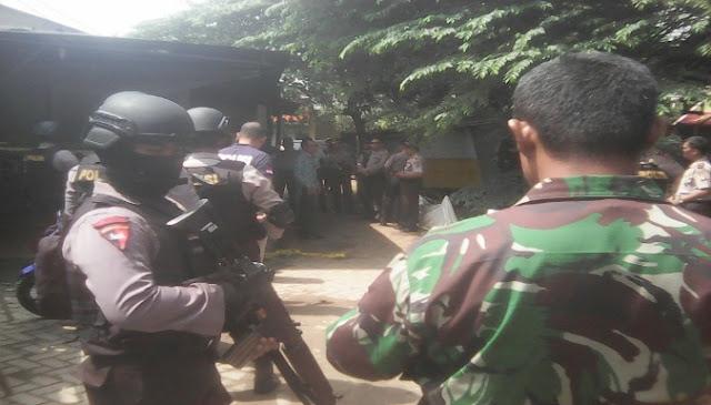 Beritatotokita.info - Suasa Rumah Teroris Perempuan Di Cirebon