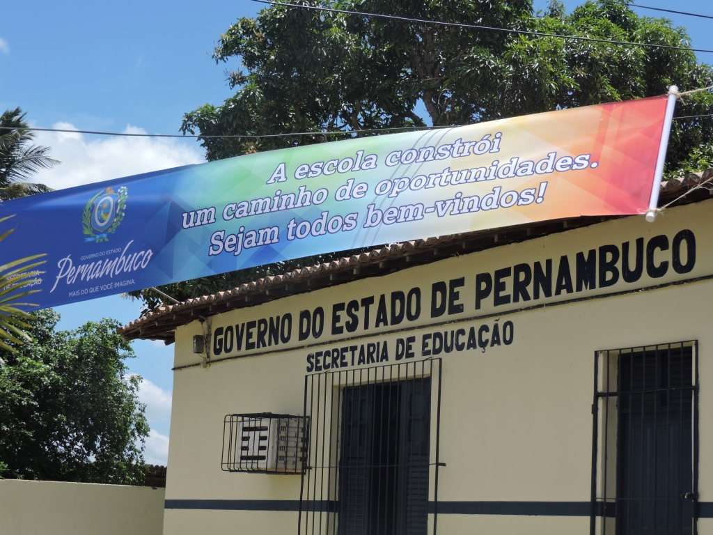 Video Com Frases Refletirem: Escola Regina Pacis