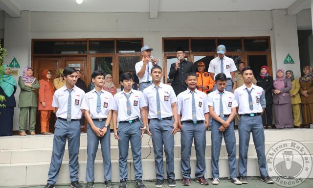 10 Siswa SMA Pengejar Teroris Bom Bandung Dapat Penghargaan Wali Kota