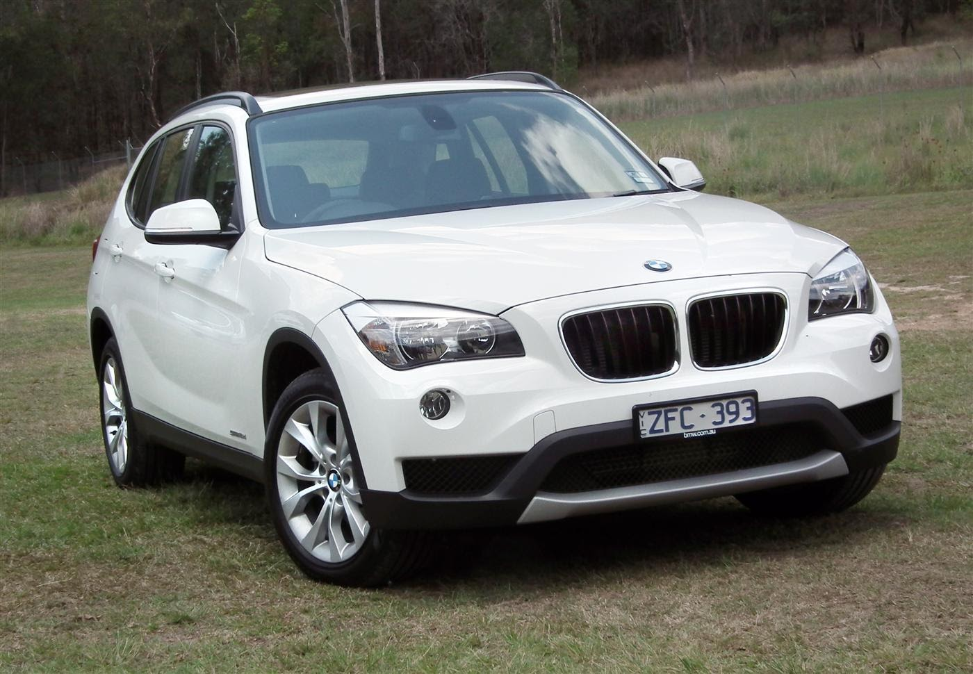 automobiles tout savoir sur les marques bmw x1. Black Bedroom Furniture Sets. Home Design Ideas