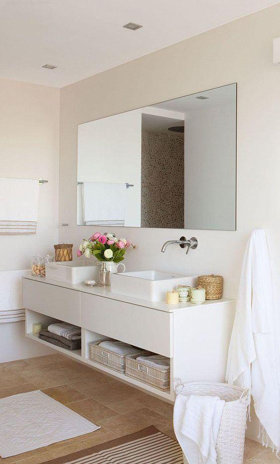 Para conseguir un baño elegante procura mantener todo en orden