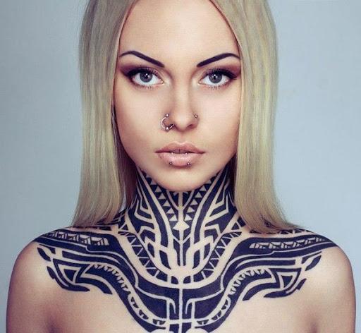 Tribal pescoço desenho de tatuagem para as mulheres