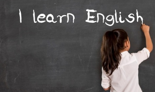 Bir öğretmenle İngilizce öğrenmenin üç nedeni
