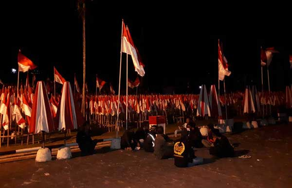 gedung perundingan linggarjati kuningan dihiasi bendera merah putih