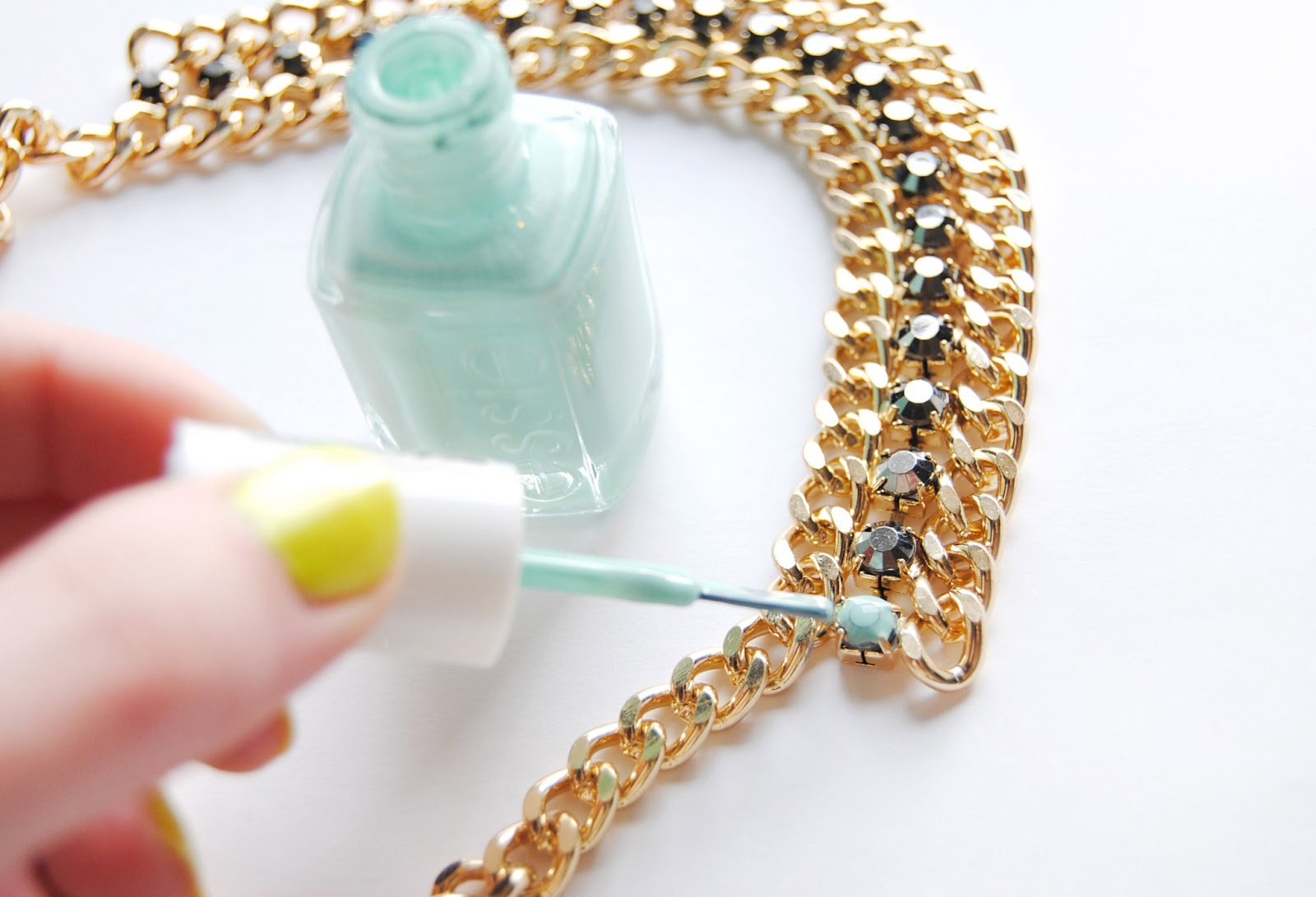Extraordinary Uses Of Nail Paint And Nail Paint Remover