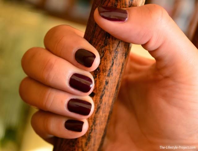 opi-plum-manicure