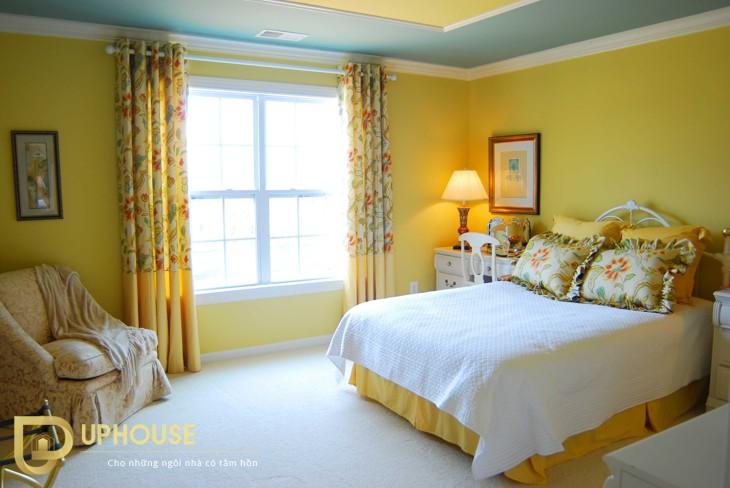Phòng ngủ màu vàng kem 01