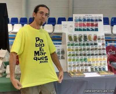 Yo, mi camiseta y mi medio-stand :-D