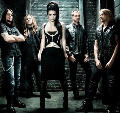 Foto de Evanescence posando parados