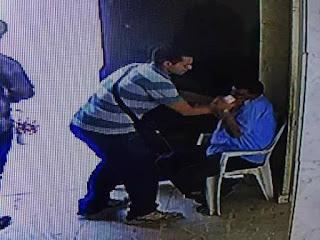بالفيديو شاهد اعتداء شخص على أمن كنيسة القديسين بالإسكندرية