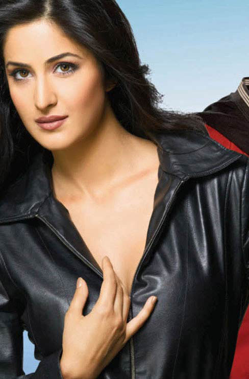 STYLE: KATRINA KAIF IN BLACK DRESS