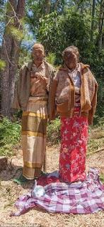 Dua Mayat Berjalan Toraja
