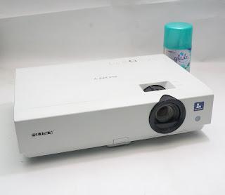 Proyektor Bekas Sony VPL-DX111