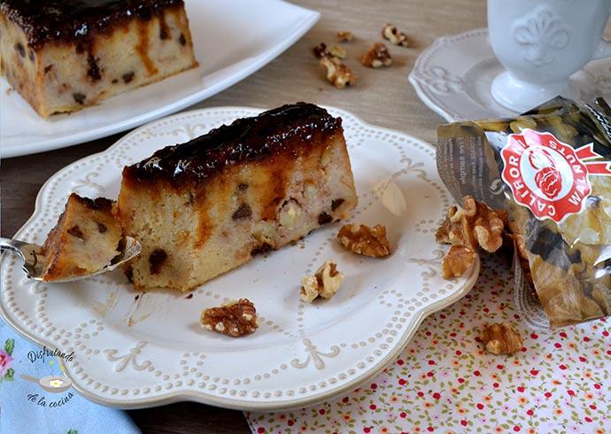 Pudin o budín de pan con chocolate y nueces (Postre fácil)