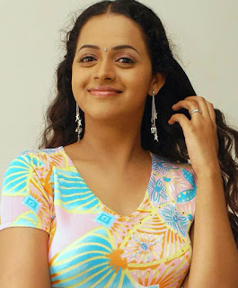 Malayalam Actress Bhavana Cute Images - Kidnapped By His Driver
