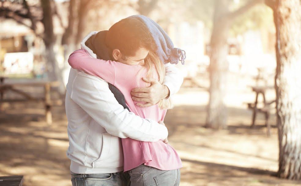 Neuroscienze: Il Cervello ha bisogno di almeno 8 abbracci al giorno.