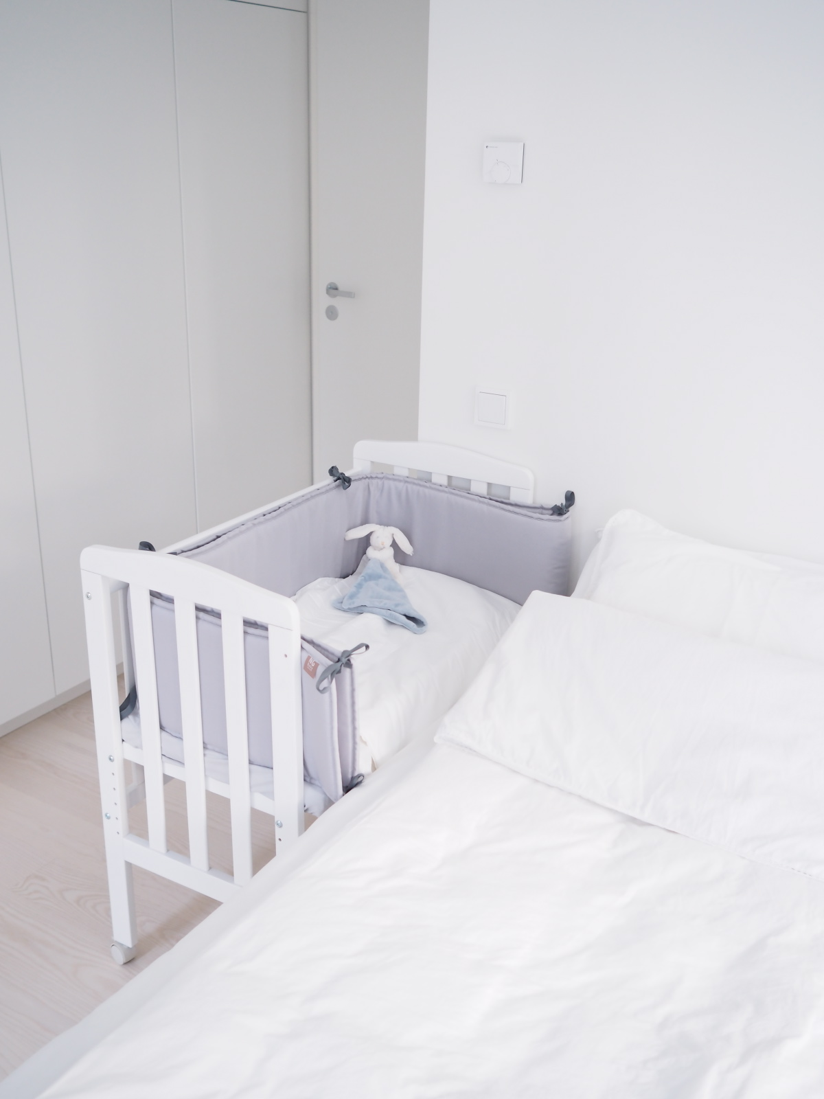 bedsidecrib.jpg