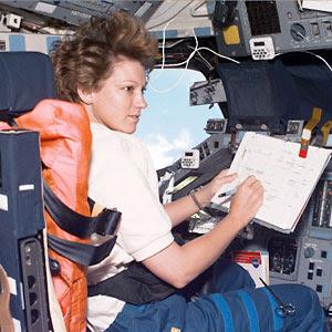 astronaut eileen collins - photo #14