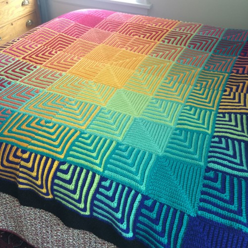 Hue Shift Crochet Afghan - Free Pattern
