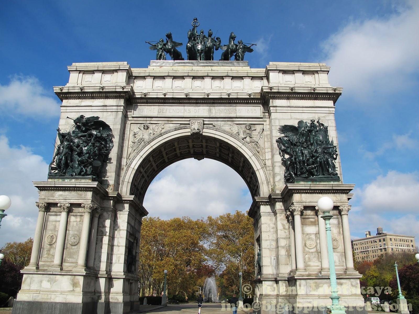 слышу триумфальные арки мира фото меня все енно