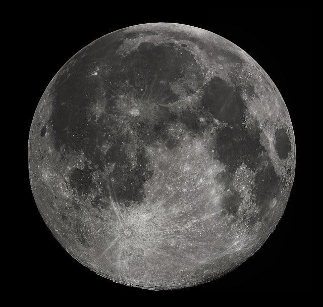 Lua - Gregory H. Revera - Wikimedia Commons