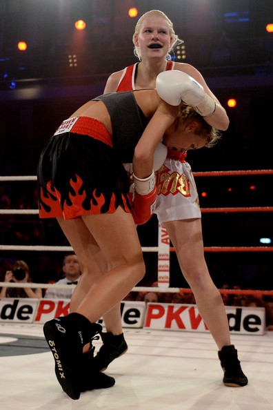 jordan-carver-vs-melanie-muller-boxing-fight-3